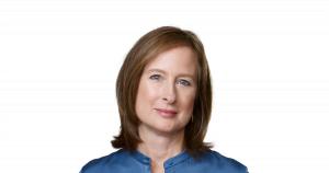Kate Adams Apple executive senior VP