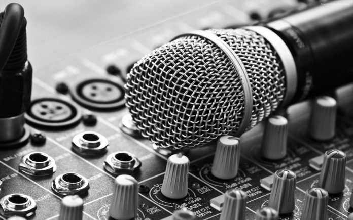 How to reduce background noise in your recordings for free